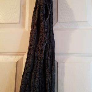 Wilfred Linen dark blue scarf eith pink accents